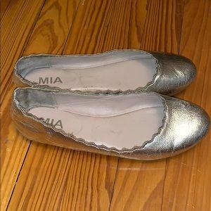 MIA Shoes - MIA metallic gold scalloped flats